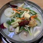 ソウルの庶民的な忠武路のタッカンマリ店で夕食