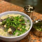 ソウル新堂洞で珍しいスープのハニカルグクス